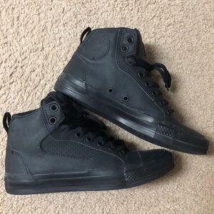 Black converse chuck Taylor shoes size 6.5
